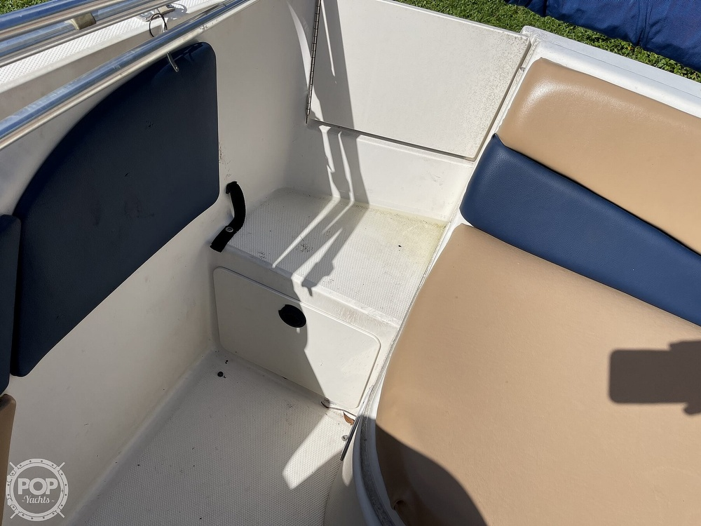 2001 Sea Ray boat for sale, model of the boat is sundeck 190 & Image # 13 of 40