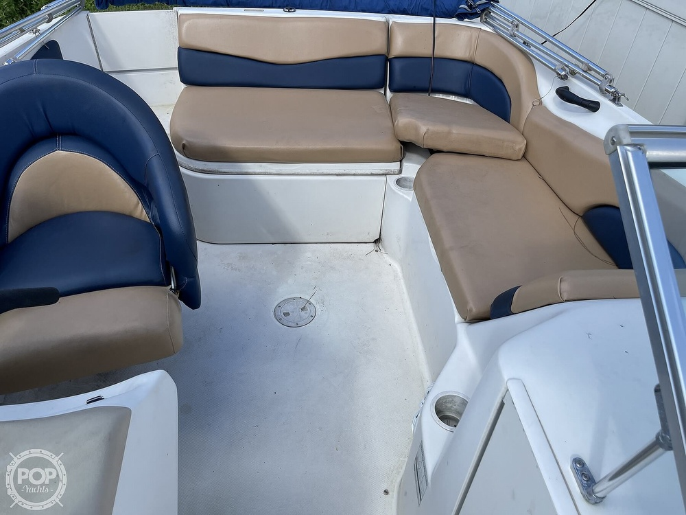 2001 Sea Ray boat for sale, model of the boat is sundeck 190 & Image # 32 of 40