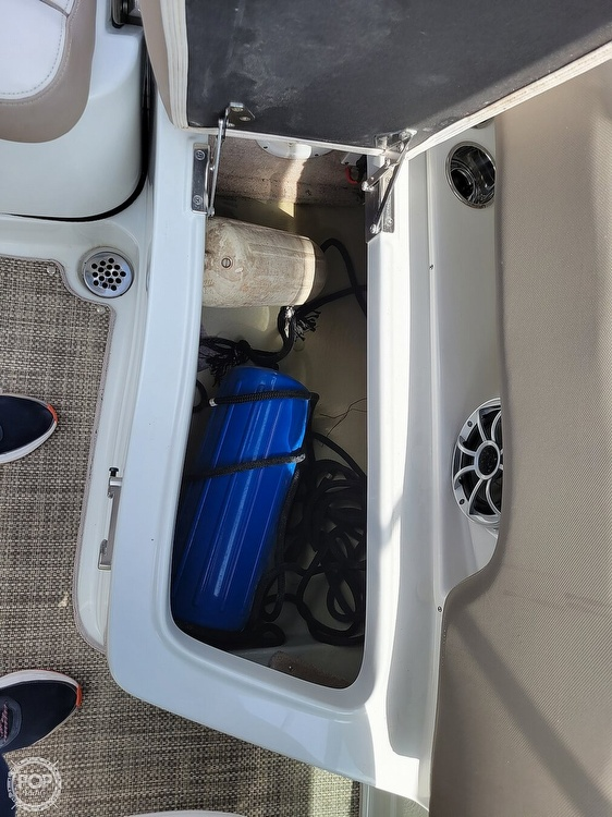 2018 Crownline boat for sale, model of the boat is E21 XS & Image # 23 of 40