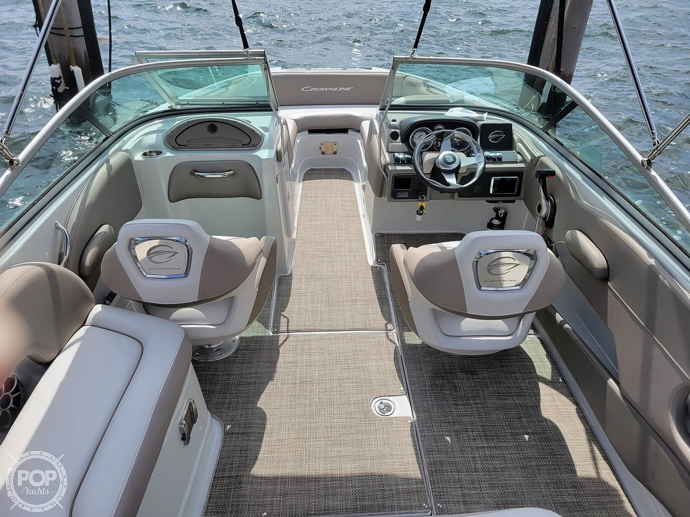 2018 Crownline boat for sale, model of the boat is E21 XS & Image # 2 of 40