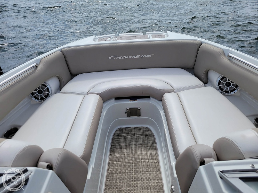 2018 Crownline boat for sale, model of the boat is E21 XS & Image # 6 of 40