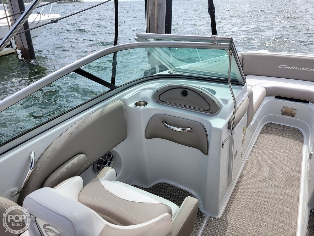2018 Crownline boat for sale, model of the boat is E21 XS & Image # 8 of 40