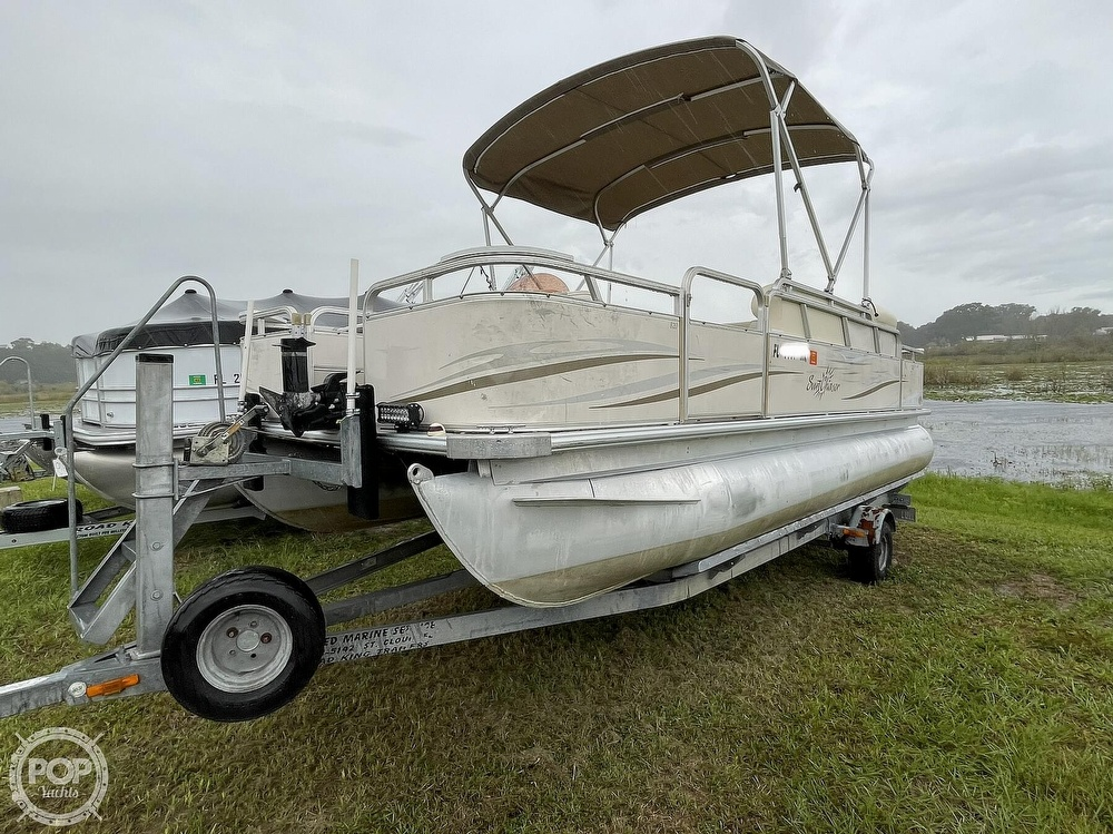 2007 SunChaser boat for sale, model of the boat is 8520 & Image # 2 of 40