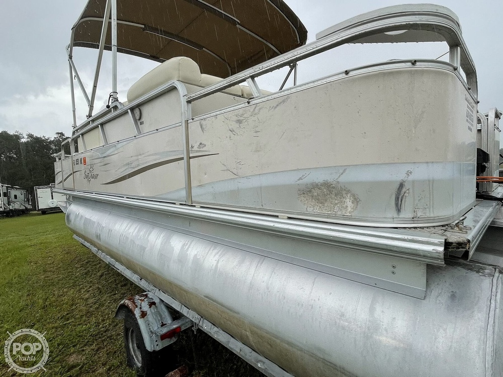 2007 SunChaser boat for sale, model of the boat is 8520 & Image # 4 of 40