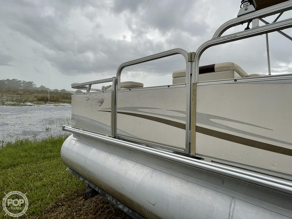2007 SunChaser boat for sale, model of the boat is 8520 & Image # 12 of 40