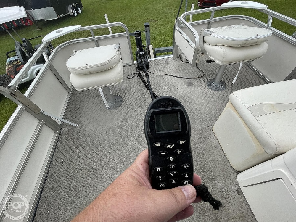 2007 SunChaser boat for sale, model of the boat is 8520 & Image # 28 of 40
