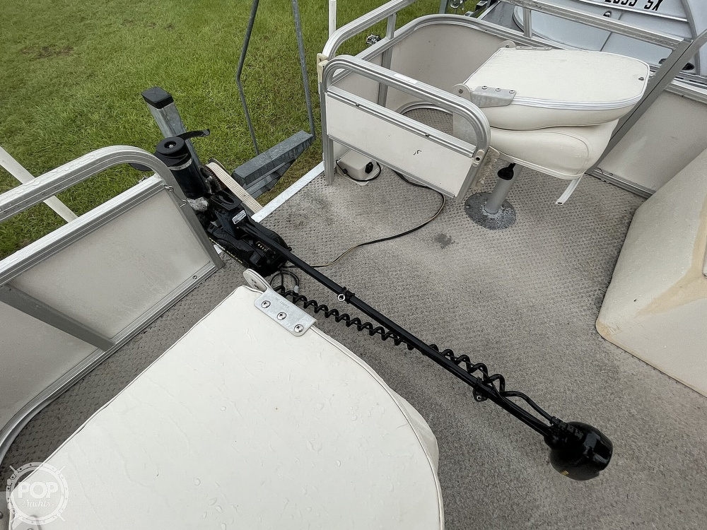 2007 SunChaser boat for sale, model of the boat is 8520 & Image # 32 of 40