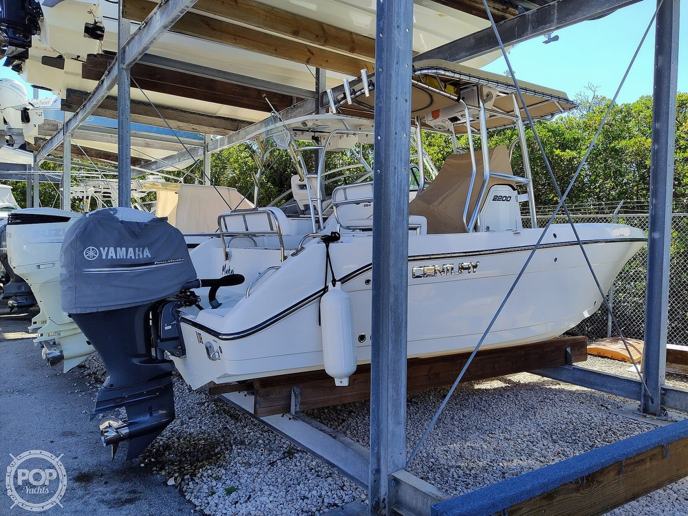 2015 Century boat for sale, model of the boat is 2200CC & Image # 3 of 40