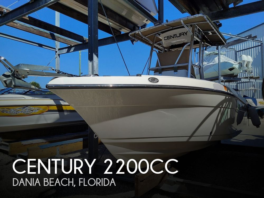 2015 Century boat for sale, model of the boat is 2200CC & Image # 1 of 40