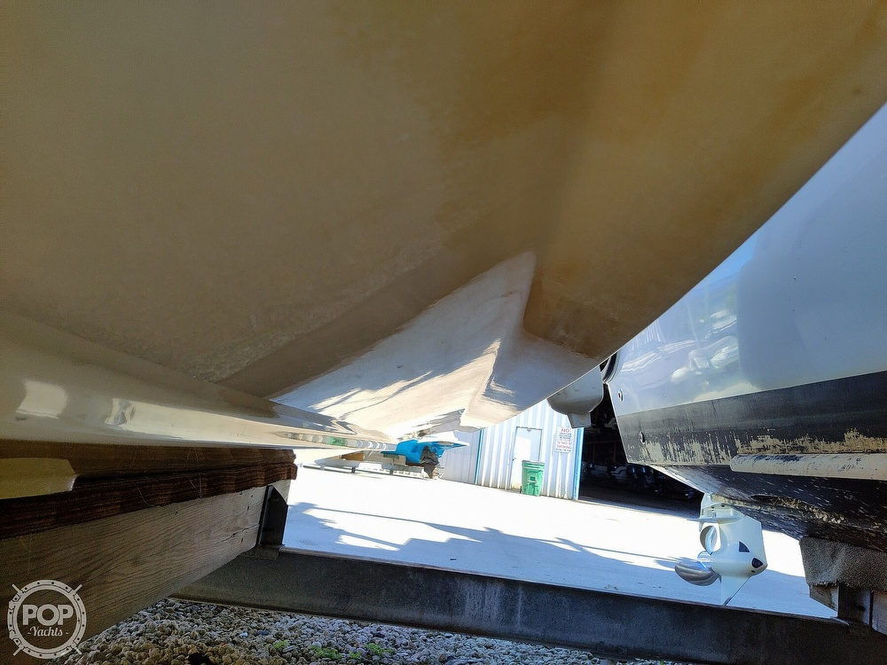 2015 Century boat for sale, model of the boat is 2200CC & Image # 21 of 40