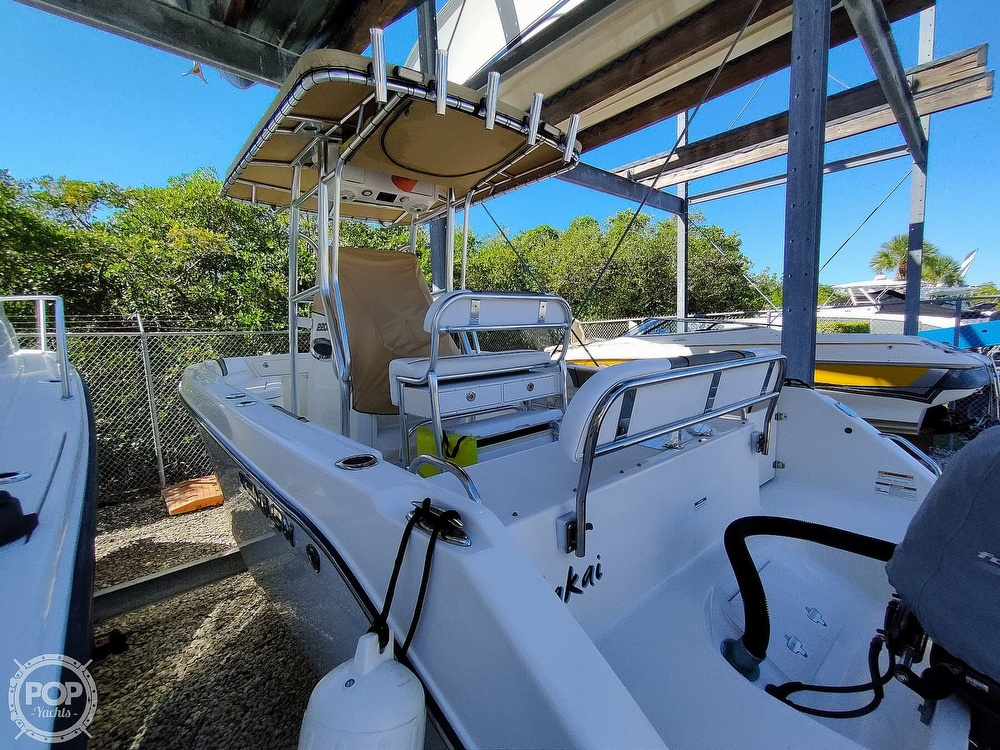 2015 Century boat for sale, model of the boat is 2200CC & Image # 25 of 40