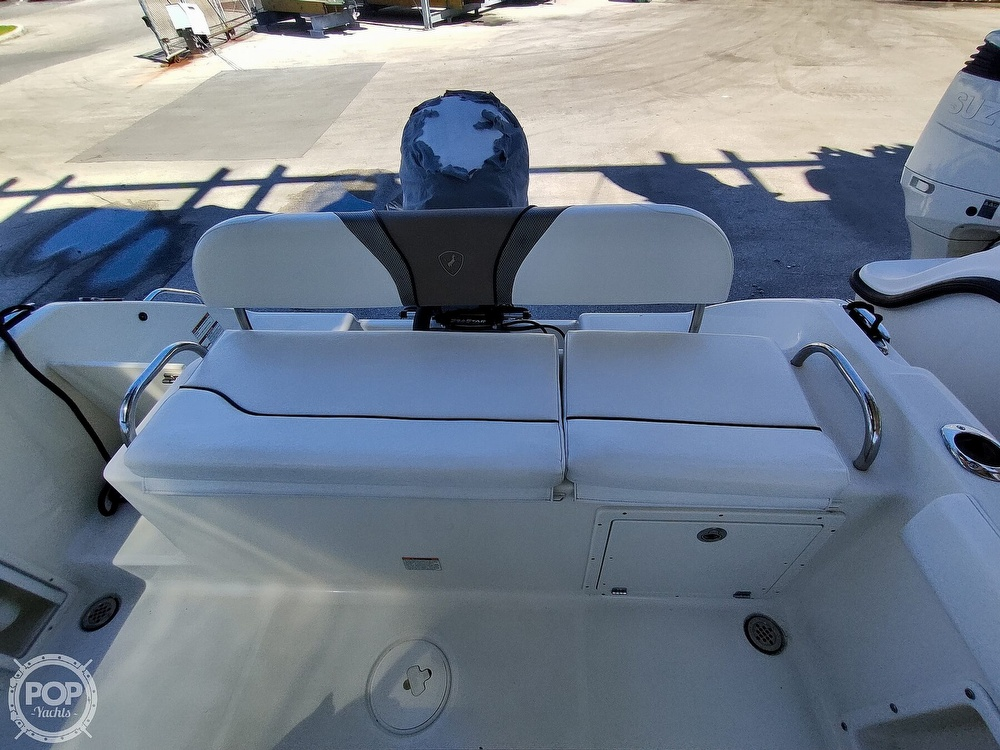 2015 Century boat for sale, model of the boat is 2200CC & Image # 5 of 40