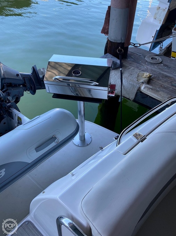 2008 Chaparral boat for sale, model of the boat is Signature 330 & Image # 31 of 40