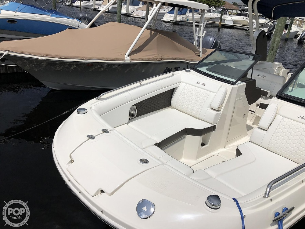 2018 Sea Ray boat for sale, model of the boat is 270 SDX OB & Image # 4 of 40