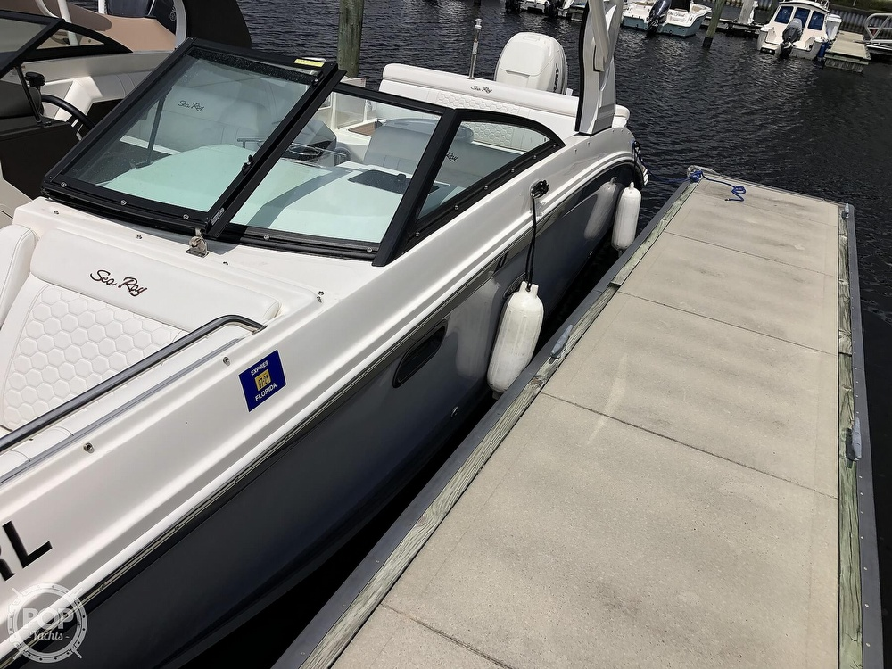 2018 Sea Ray boat for sale, model of the boat is 270 SDX OB & Image # 5 of 40