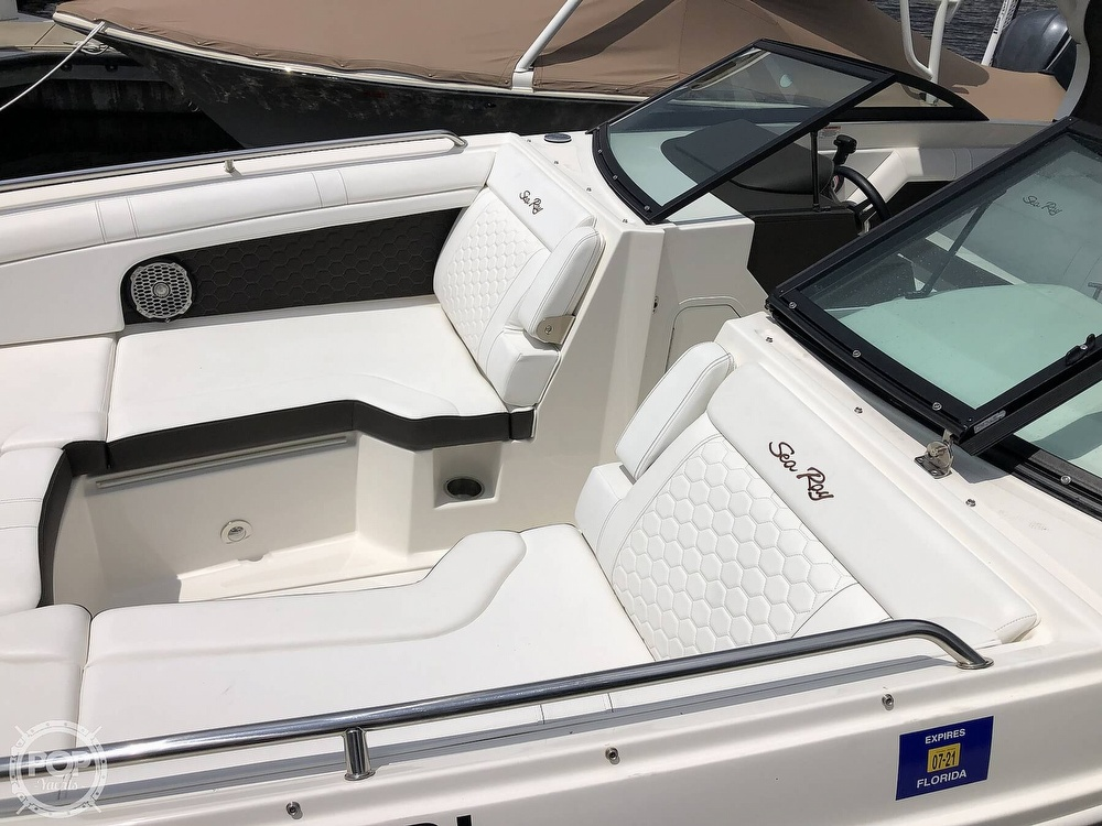 2018 Sea Ray boat for sale, model of the boat is 270 SDX OB & Image # 10 of 40