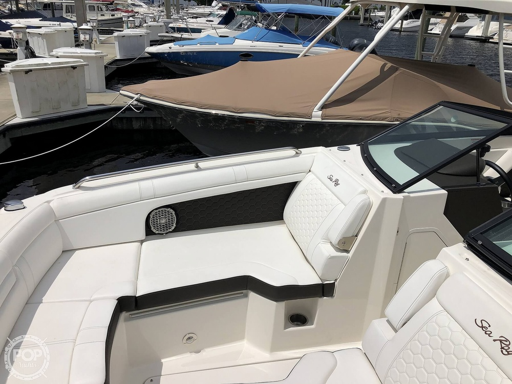 2018 Sea Ray boat for sale, model of the boat is 270 SDX OB & Image # 15 of 40