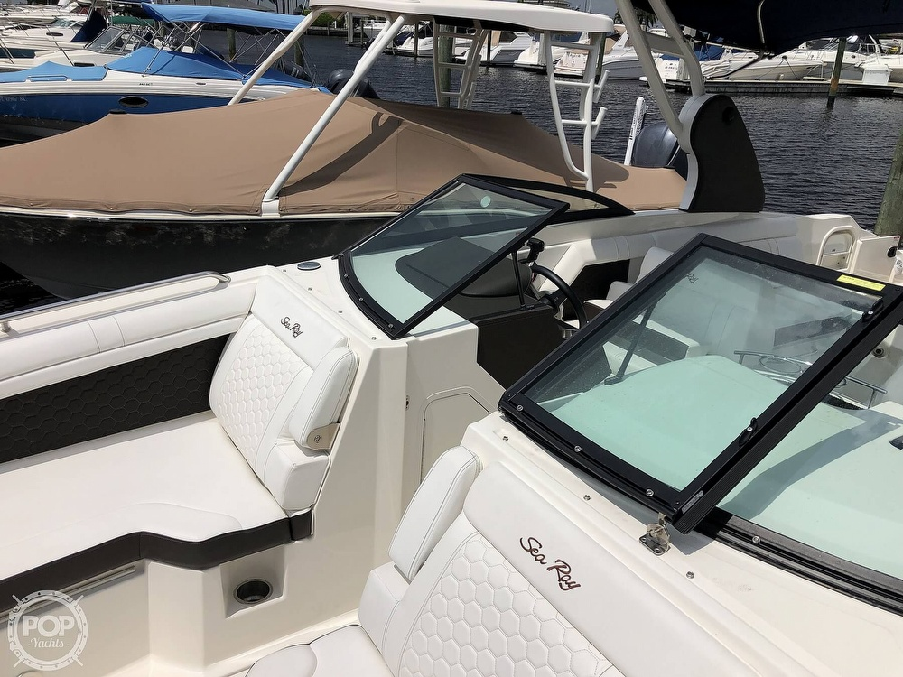 2018 Sea Ray boat for sale, model of the boat is 270 SDX OB & Image # 16 of 40