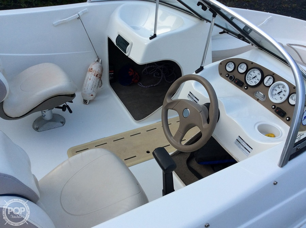 2004 Glastron boat for sale, model of the boat is MX175 & Image # 9 of 40