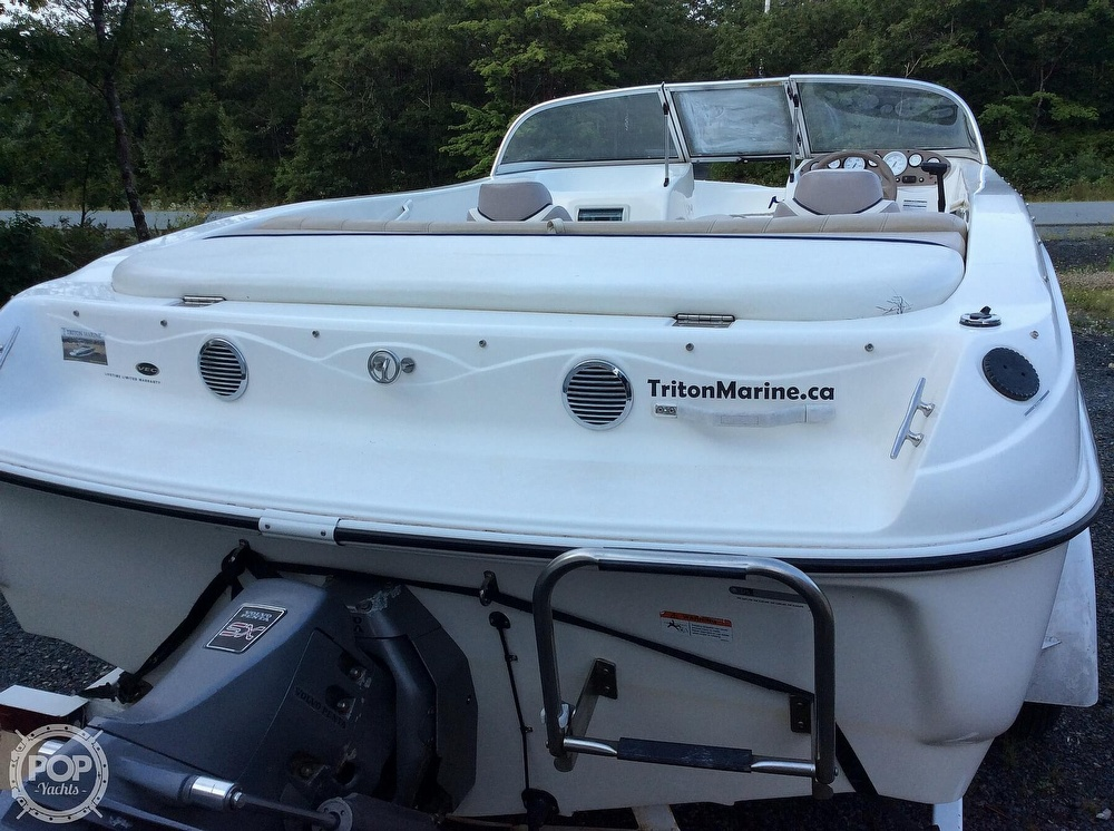 2004 Glastron boat for sale, model of the boat is MX175 & Image # 12 of 40