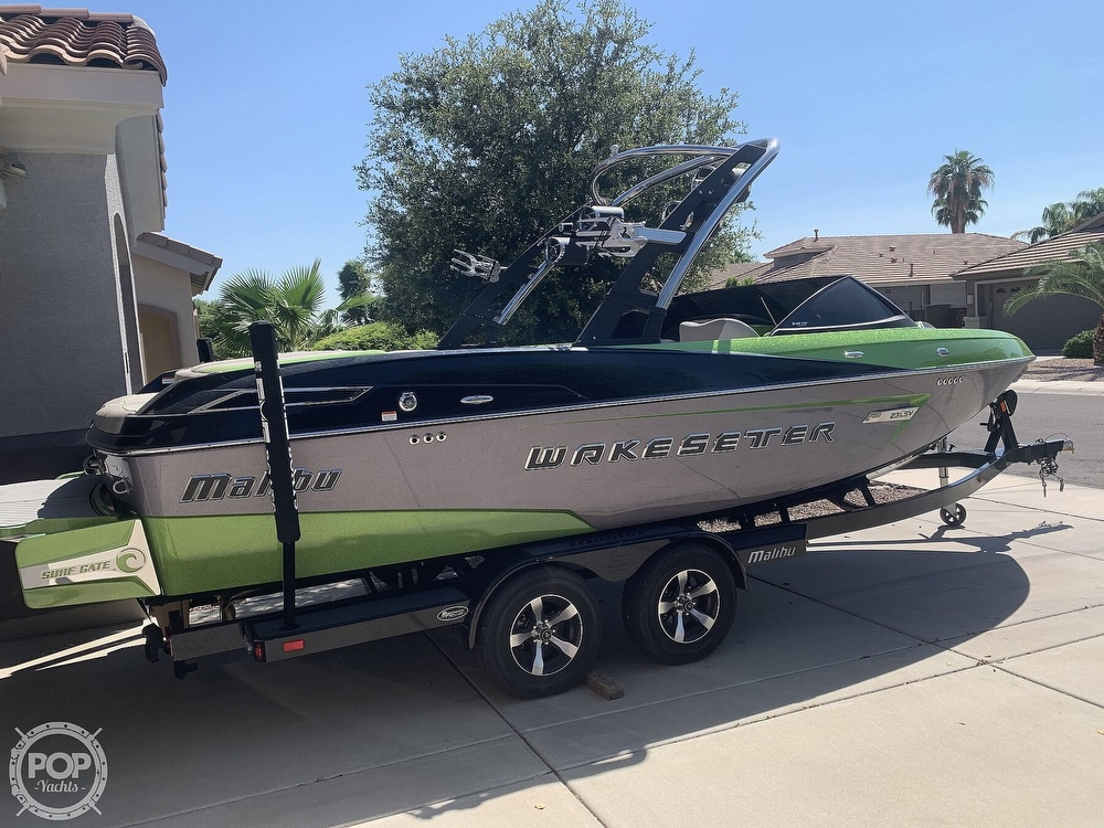 2014 Malibu boat for sale, model of the boat is Wakesetter 23 LSV & Image # 2 of 40