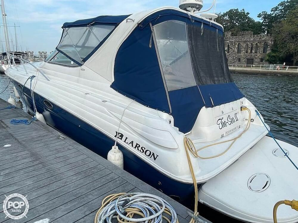 2005 Larson boat for sale, model of the boat is 370 Cabrio & Image # 3 of 40