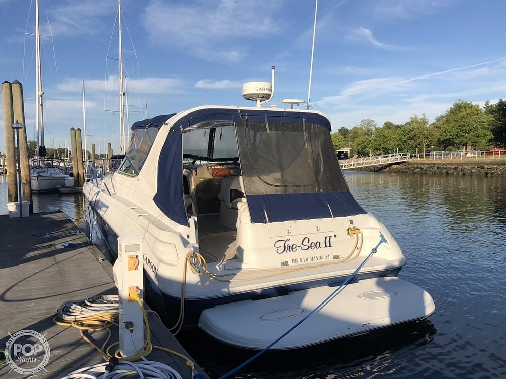 2005 Larson boat for sale, model of the boat is 370 Cabrio & Image # 11 of 40