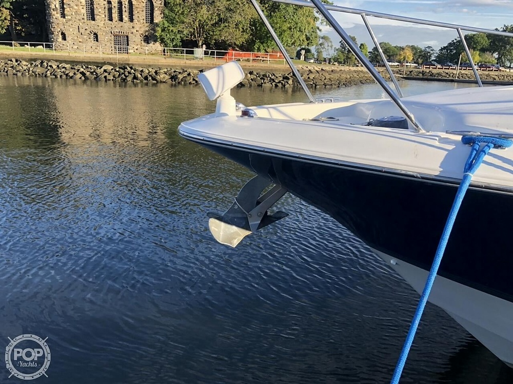 2005 Larson boat for sale, model of the boat is 370 Cabrio & Image # 13 of 40