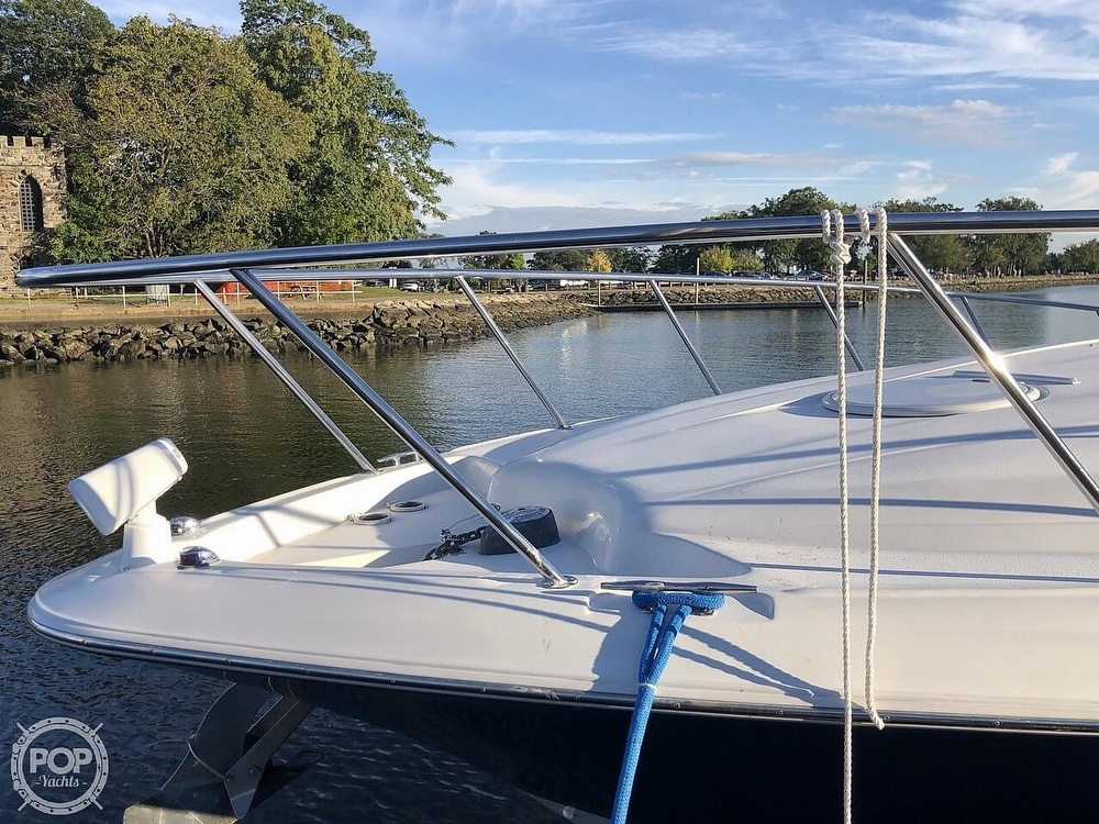 2005 Larson boat for sale, model of the boat is 370 Cabrio & Image # 16 of 40