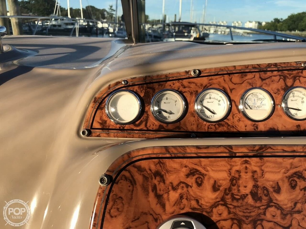2005 Larson boat for sale, model of the boat is 370 Cabrio & Image # 32 of 40