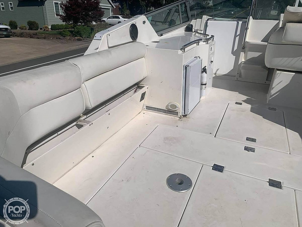 1994 Cruisers Yachts boat for sale, model of the boat is 30' & Image # 6 of 11