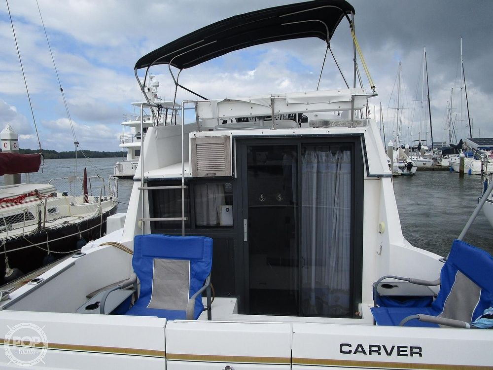 1986 Carver boat for sale, model of the boat is Carver 2827 Voyager & Image # 30 of 40