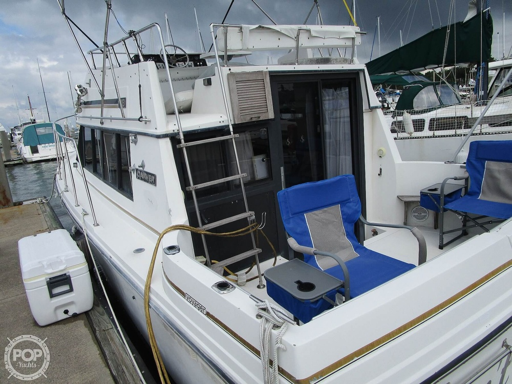1986 Carver boat for sale, model of the boat is Carver 2827 Voyager & Image # 31 of 40