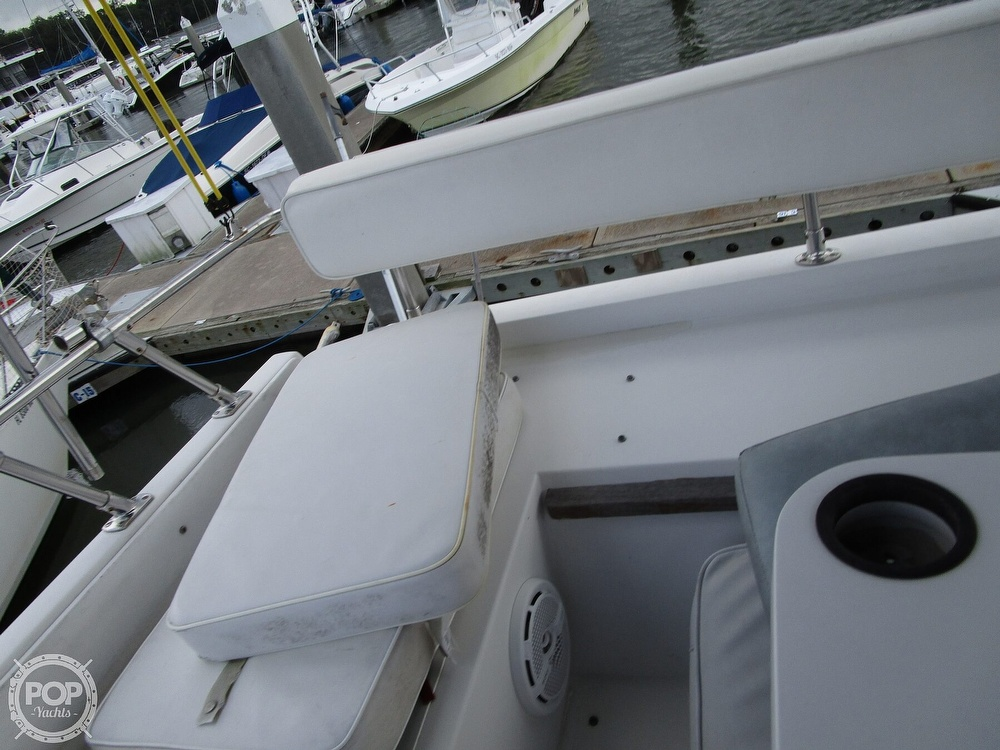 1986 Carver boat for sale, model of the boat is Carver 2827 Voyager & Image # 15 of 40