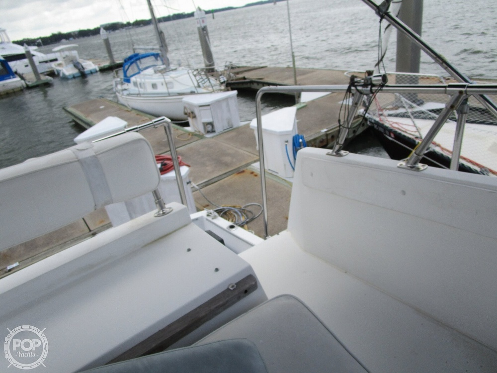 1986 Carver boat for sale, model of the boat is Carver 2827 Voyager & Image # 16 of 40