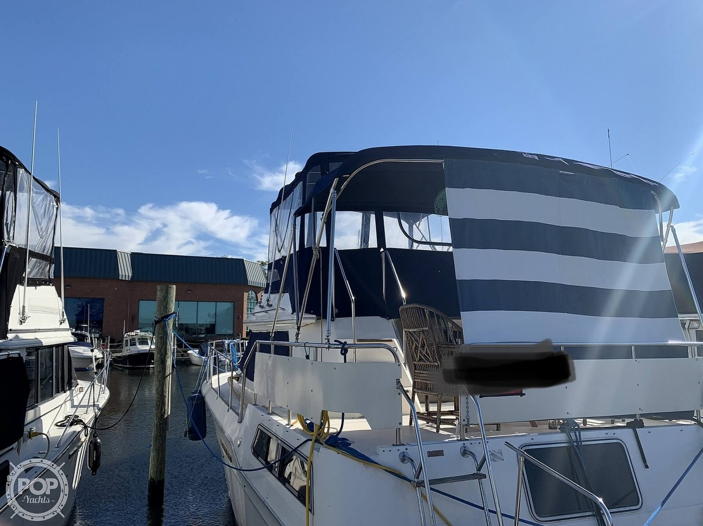 1985 Sea Ray boat for sale, model of the boat is 360 Aft Cabin & Image # 8 of 40