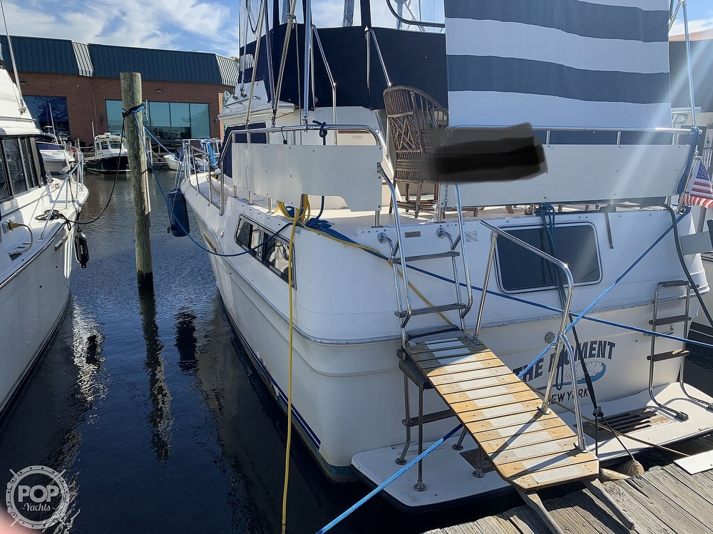 1985 Sea Ray boat for sale, model of the boat is 360 Aft Cabin & Image # 9 of 40
