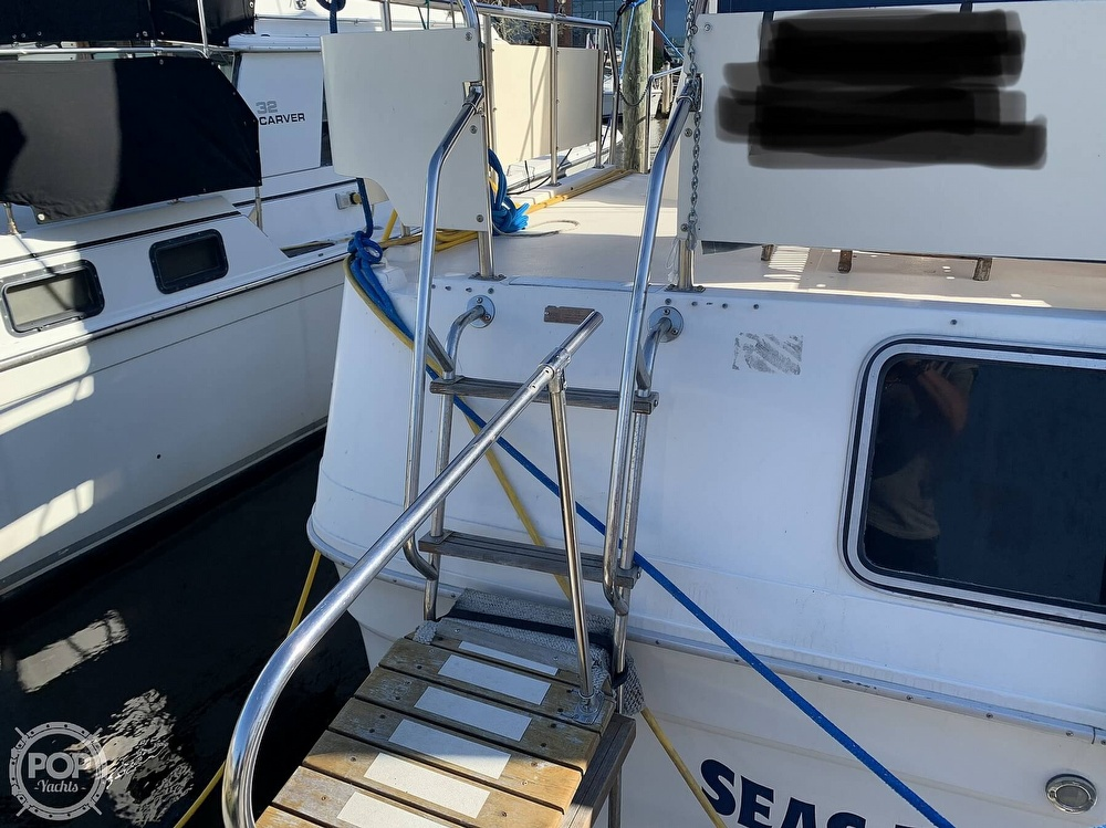 1985 Sea Ray boat for sale, model of the boat is 360 Aft Cabin & Image # 13 of 40