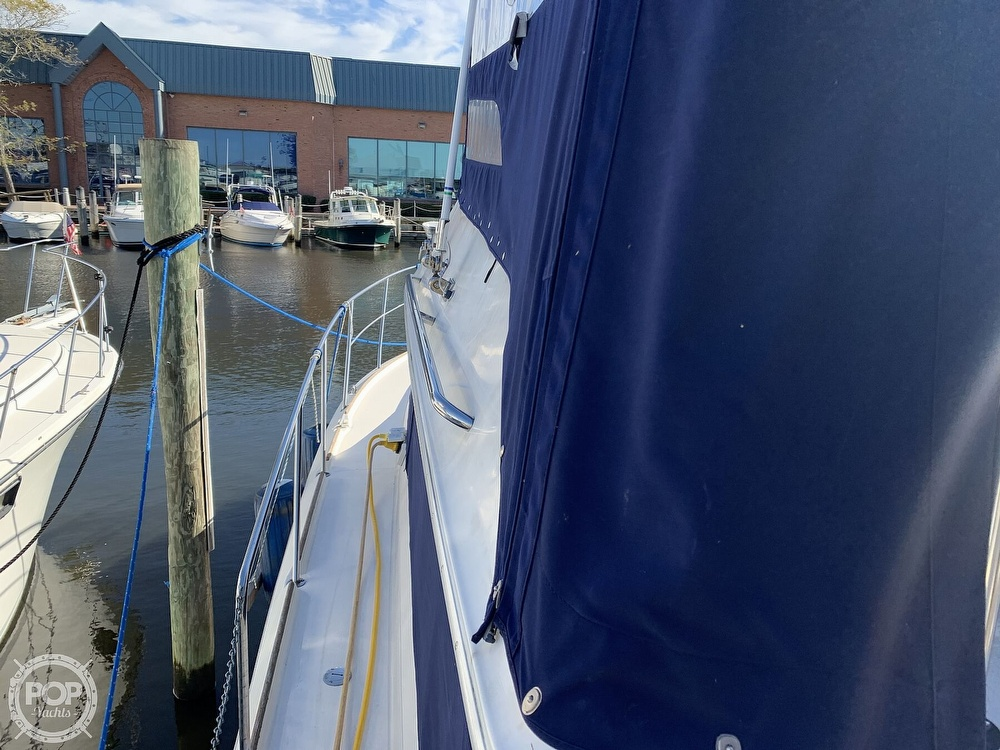 1985 Sea Ray boat for sale, model of the boat is 360 Aft Cabin & Image # 19 of 40