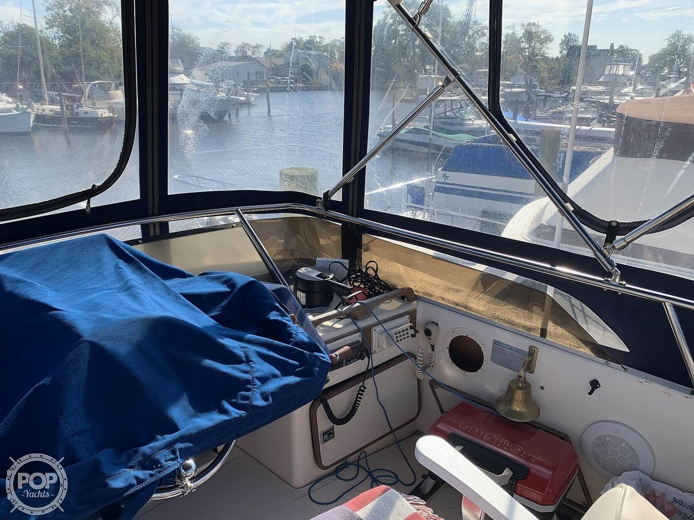 1985 Sea Ray boat for sale, model of the boat is 360 Aft Cabin & Image # 30 of 40