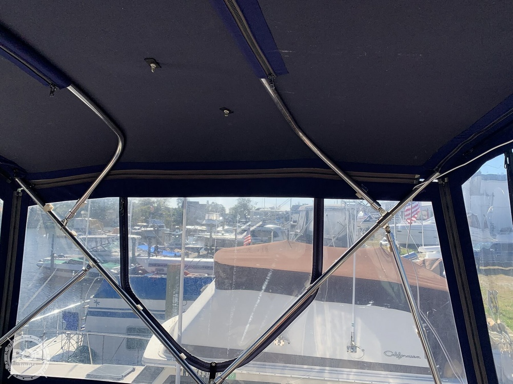 1985 Sea Ray boat for sale, model of the boat is 360 Aft Cabin & Image # 32 of 40
