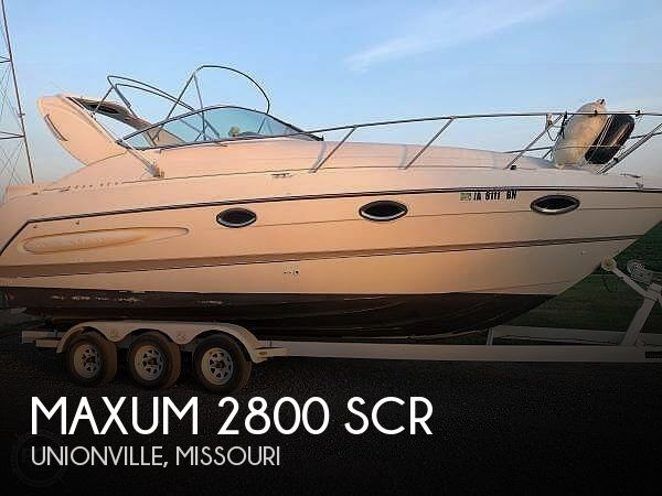 2000 Maxum boat for sale, model of the boat is 2800 SCR & Image # 1 of 16