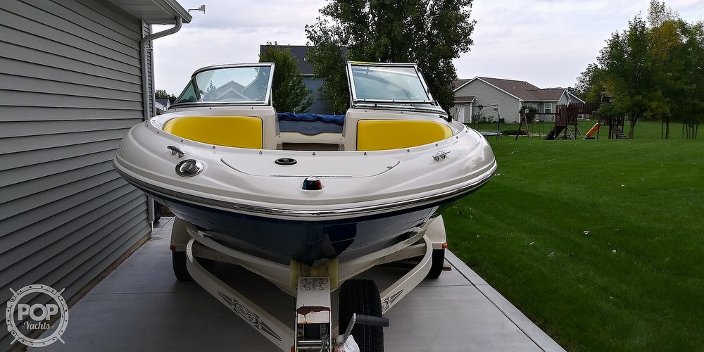 2006 Sea Ray boat for sale, model of the boat is 205 sport & Image # 2 of 40