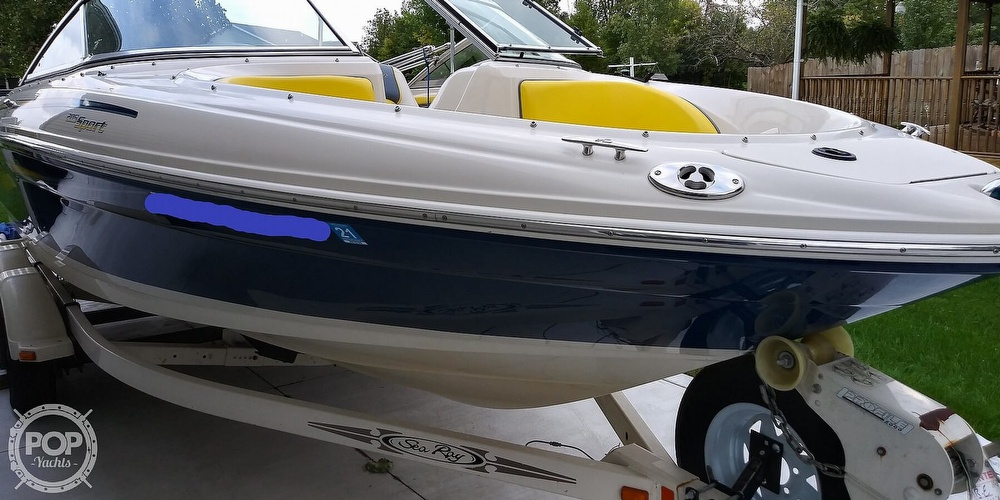 2006 Sea Ray boat for sale, model of the boat is 205 sport & Image # 3 of 40