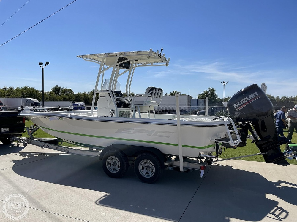 2017 Epic boat for sale, model of the boat is 23SC & Image # 3 of 40