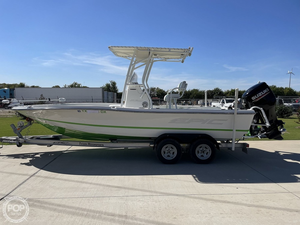 2017 Epic boat for sale, model of the boat is 23SC & Image # 2 of 40