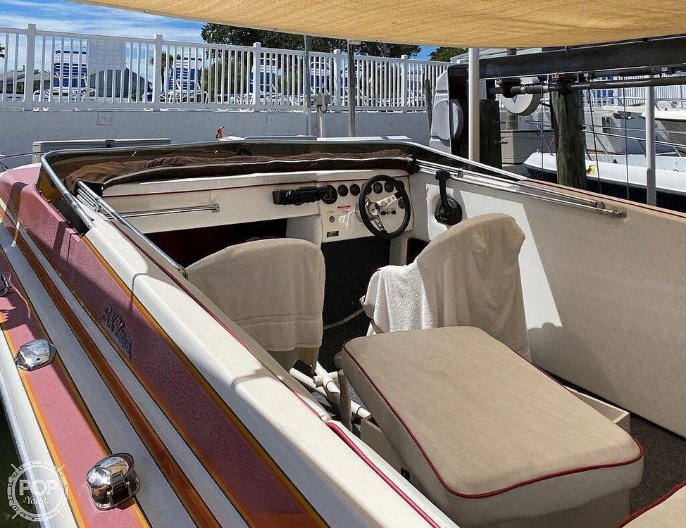 1984 Hallett boat for sale, model of the boat is 24 & Image # 5 of 40