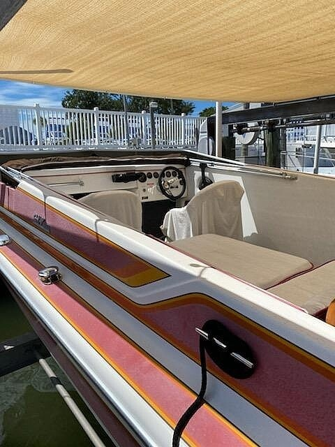 1984 Hallett boat for sale, model of the boat is 24 & Image # 4 of 40