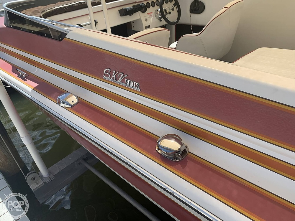 1984 Hallett boat for sale, model of the boat is 24 & Image # 8 of 40