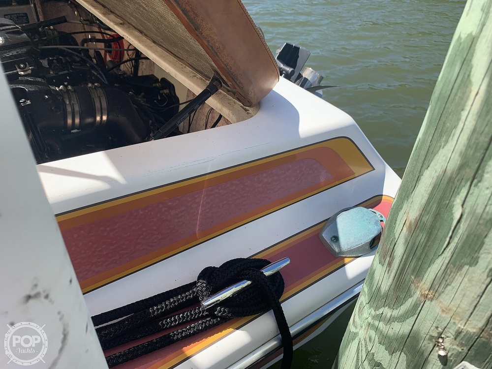 1984 Hallett boat for sale, model of the boat is 24 & Image # 9 of 40